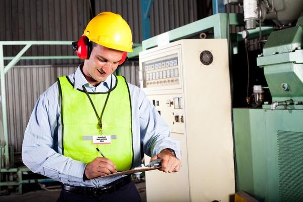 Какие условия труда должен обеспечить работодатель